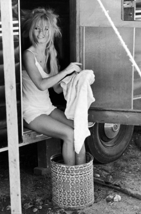 Brigitte_Bardot_dress