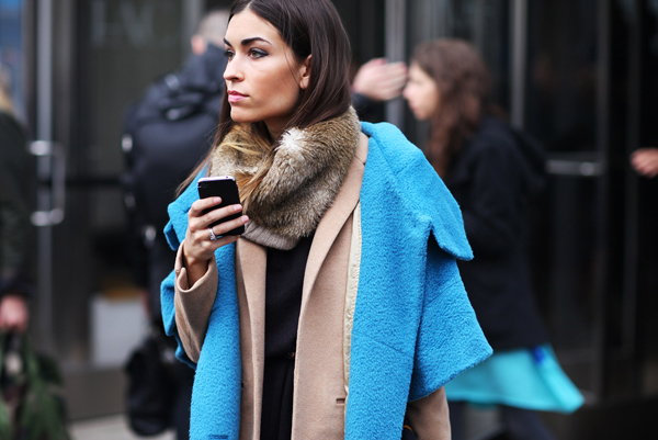 nyfw-street3-10_neon-electric-blue-coat1